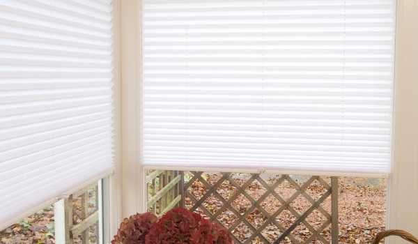 pleated corner blind